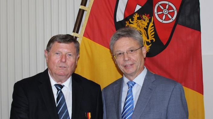 v.l.n.r. Bernd Neumer und Präsident Seimetz