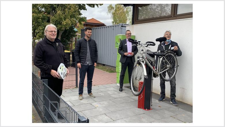 Einweihung Fahrrad-Reparatur-Station